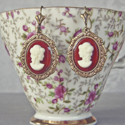 I'll take the earrings and the tea cup, thanks!