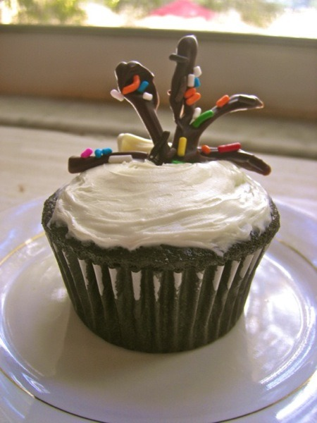 Elizabeth made a new year's fireworks cupcake!