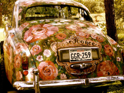 Oh. my. gosh. A Rose Royce?! YES! This is awesome. Katrina, we could totally cruise in this car!  muffintopvintage:  Just beautiful, I want this car!!! :) Think I might have to learn to drive first, living in London means I just use public tansport but for this I would definitely learn :)