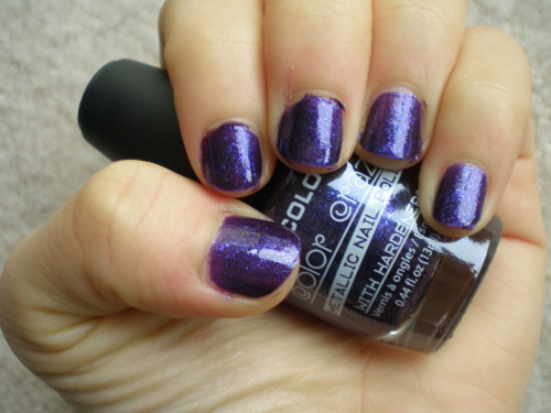 Purple by LA Colors This plum glass-flecked jelly dazzles because the glass flecks have a blue duochrome, making it another great color from the LA Colors 4-pack. It might be a little intense for many situations, but it'd be great for a night on the town, or a rock concert. It applies a little streakily, but that's no biggie given the low price.