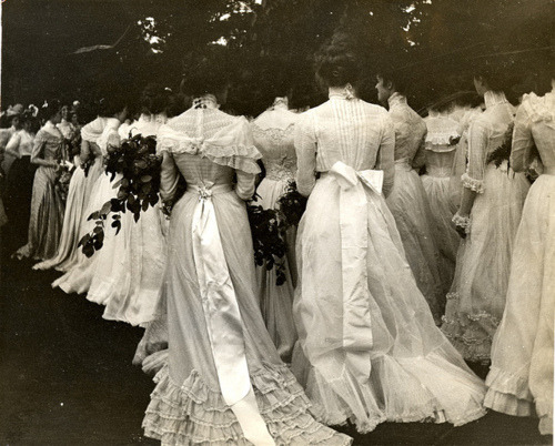 ornamentedbeing:   1895 Class Day On the Lawn Seniors gather on the lawn for Class Day, the last time before graduation that the class meets as a group, 1895. © Vassar College, Archives & Special Collections Ref. # Ph.f4.12