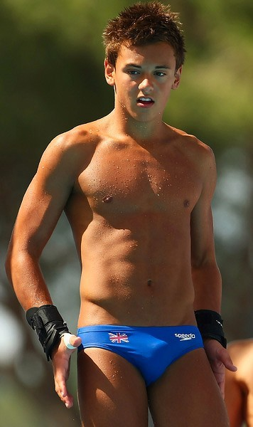 corbeau12:  chasingjackalopes:  Tom Daley! Britain's coolest athlete.      Indeed.