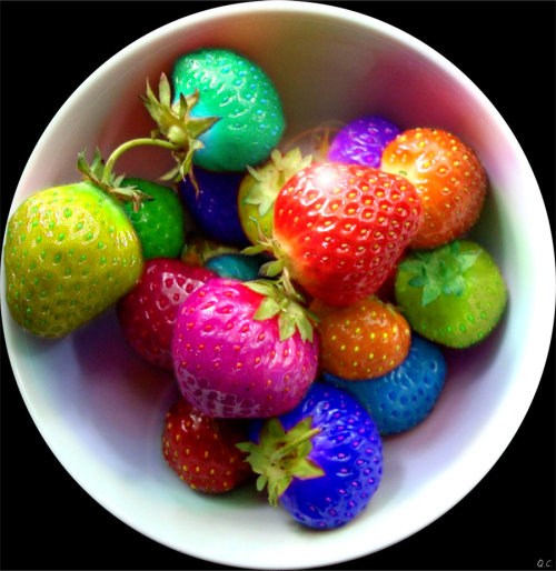 knittinginthered:  Rainbow Berries!