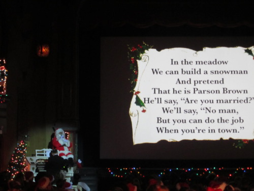 One of my new favorite holiday traditions:  'It's a Wonderful Life' at the Music Box Theatre on Southport.  Pre-show entertainment (that the crowd got really in to) includes a sing-a-long with Santa.