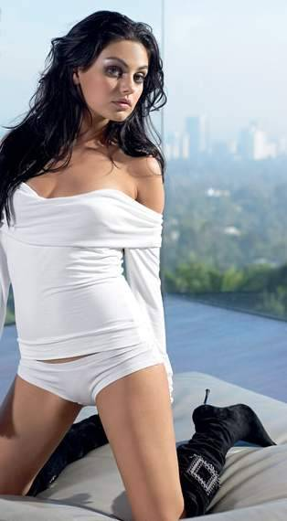 I know this is odd for my blog but I LOVE MILA KUNIS!!! <3 She is STUNNING. One of my favorite actresses EVER. Especially after seeing Black Swan
