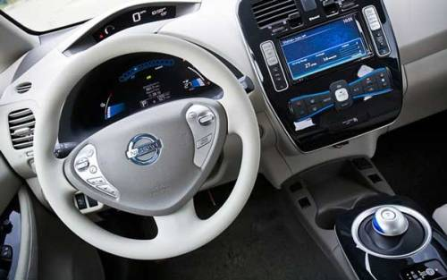 Above is a shot of the dashboard of the Nissan Leaf. As part of my work at etrans, I am looking into how we can make the experience of the electric car better, more convenient and all around attractive. One of the potential areas we have identified and currently working with is what we have called 'Smart Data'. App's such as the carwings feature implemented in the Leaf, which ranks the car and drivers ability to drive economically and awards the best with Gold or Platinum - and it seems like a feature some drives find fun and motivating. Also of interest is that Ford has chosen to present their Ford Electric tomorrow at CES along side Consumer Electronics, instead of at the Detroit motor show the following week. Via.