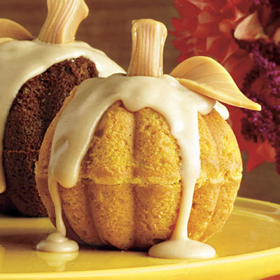 whenpicturesspeak:  Mini Pumpkin Cake