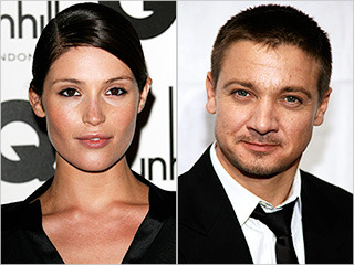Gemma Arterton joins Jeremy Renner in 'Hansel and Gretel: Witch Hunters'