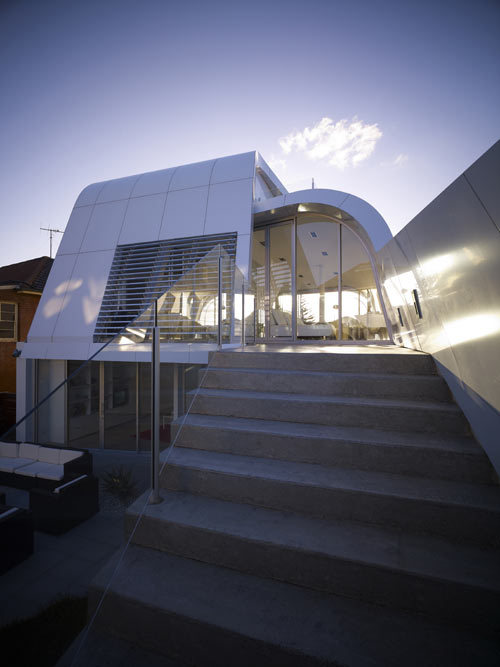 designismymuse:  chingus:Moebius House in Australia by Tony Owen Partners