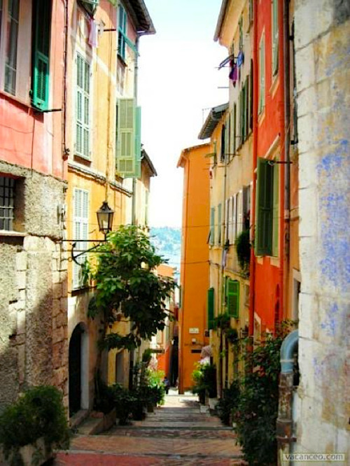 ysvoice:  | ♕ |  Colors of French Riviera-I: alley in Villefranche-sur-Mer