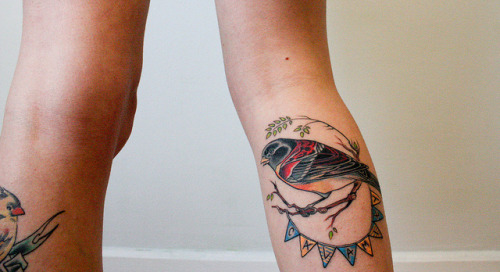 delightfully-tacky:  fuckyeahtattoos little calamity brambling is by the excellent kate at inka tattoos in brighton, UK. her work can be found at myspace.com/escarriot.