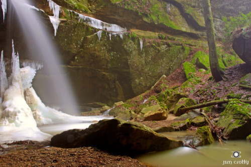 Secret Places. Mid-winter off the trail from Cedar Falls @ Hocking Hills #ohio #photography