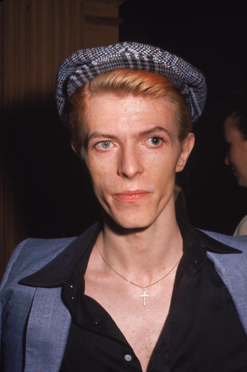 thoughts-of-an-x-factor:  bohemea:  David Bowie's gorgeous odd eyes are a result of a fight he had with George Underwood in 1962. George punched David in the eye during a scrappy fight over a girl. Bowie was hospitalized & nearly lost sight in his left eye. He ended up healing, but the injury left him with a permanently dilated pupil. His eyes are often mistakenly said to be two different colours when actually they're both blue, one just appears a different colour due to the dilated pupil. Underwood & Bowie remained friends after the fight & Underwood worked on the artwork for Bowie's early albums. No word on what became of the girl who inspired the prettiest odd eyes in all of history.  Reblogging because I think people need to be aware that he does not, in fact, have heterochromia.
