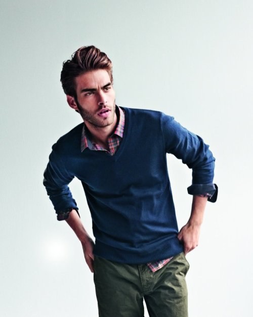 musingsinfemininity:  whiskeysoaked:  Kortajarena  bello! bello! bello! for the boy