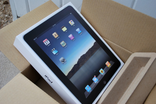 storybooklove:  FREE IPAD GIVEAWAY! So this Christmas, I asked both my boyfriend and mum for an iPad, and both of them got it for me, which I did NOT expect. Yes, I could return it, or sell it, but I actually feel like doing something nice for once. So, yeah. To enter: reblog AND like this post (no more than once, it's not fair!) follow me @ http://www.storybooklove.tumblr.com On January 15, 2011, I will pick a completely random winner. Good luck!   Hope I win haha!