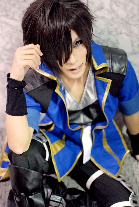 IT'S A GUY COSPLAYING. AND A CUTE GUY TO TOP IT OFF :D Sengoku Basara - Masamune cosplay
