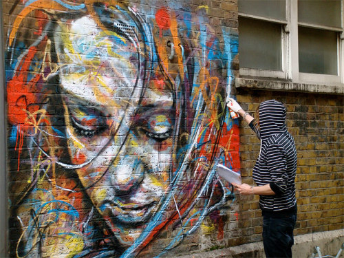 benihoopla:  Just Paint. No Brushes. Amazing. Artist: David Walker.