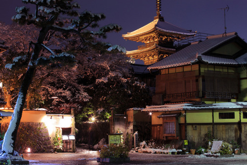 yokosojapan:  New Year, Kyoto [ part.7 ] (by Kiyo Photography)