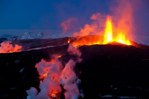 The eruption on Fimmvörðuháls in Iceland spring 2010
