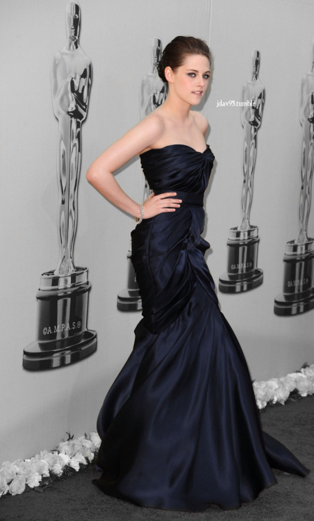oscarstew… i want to see her in another ML gown…