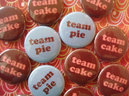 Edward and Jacob, who? It's all about Team Pie and Team Cake….GO TEAM CAKE!!!