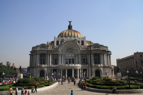 Architecture  Palacio de Bellas Artes Mexico City.   (Photo: Irasema)