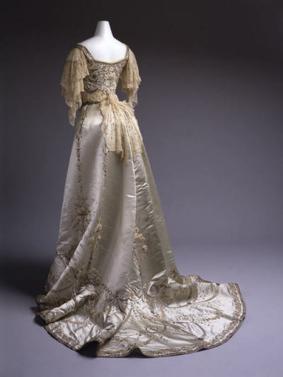 Worth 1900-1905 ball gown