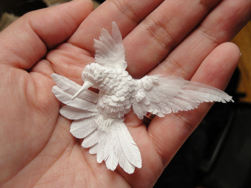 escapekit:  Hummingbird made out of paper