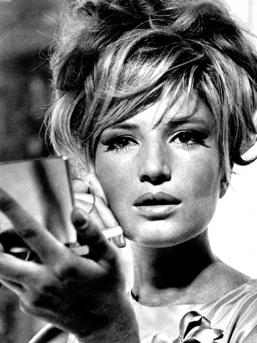 "Monica Vitti - ""I can't stare at the sea for too long, because then I find myself disinterested with what happens on land."""