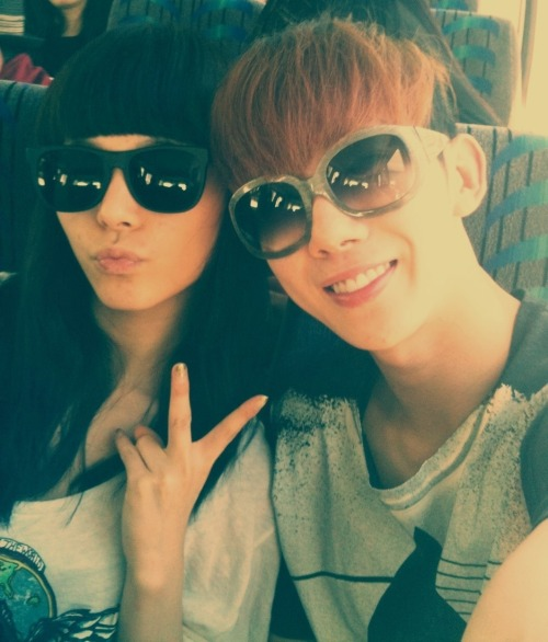 "2amfacts:  [110112][Trans] Kwon's tweet.  onedayislove:  Jo Kwon : ""촬영끝나고 들어가는길..선예의 maybe 너무 좋다~^^ 내친구 화이팅! -Dream high ost-"" On the way home after filming.. I really like SunYe's ""Maybe""~^^ My friend, fighting! -Dream high ost-"