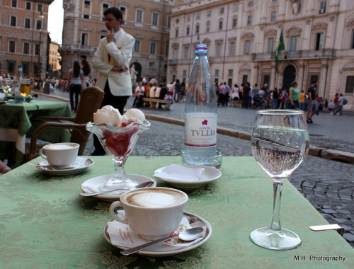 Coffee Break, Piazza Navona By *Martu*  coffeecupview
