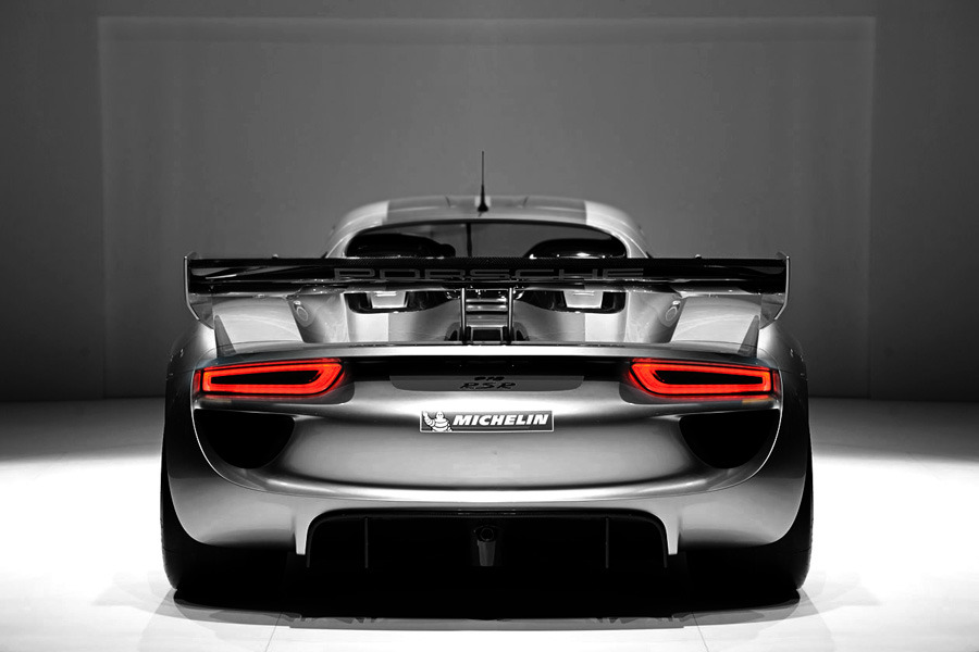 Porsche 918 RSR via Autoblog [A rear end I can get behind]