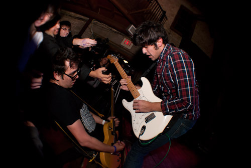 ojosauro:  The Young Maths. Makin' that musical love.  awesome shot putz