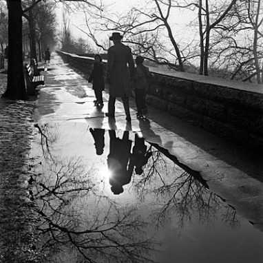 Street Photography by Vivian Maier(click for more!)