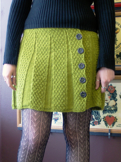 I wish I knew how to knit! theoreticalknitting:  Carnaby skirt (free pattern)