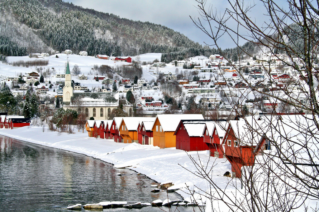 Sjoholt, Norway by larigan