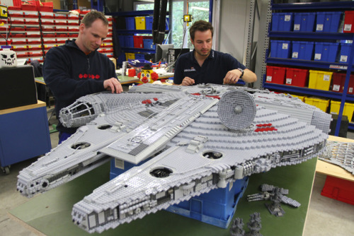 laughingsquid:  Star Wars Takes Over LEGOLAND California