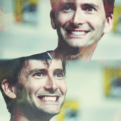 saniday:  when I see David grinning, I start automatically grinning back  xD
