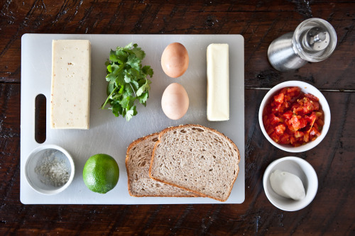 thingsorganizedneatly:  Ingredients for Eggs in a Basket.
