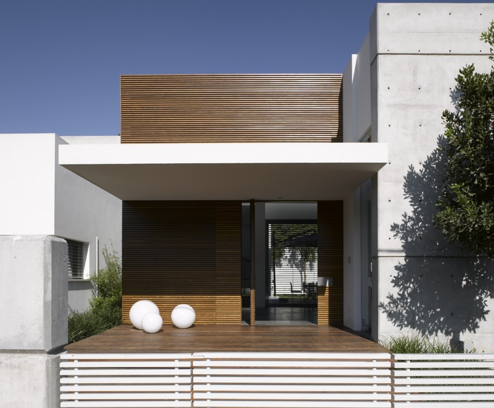 eHouse, Tel Aviv - Israel  by Axelrod Architects