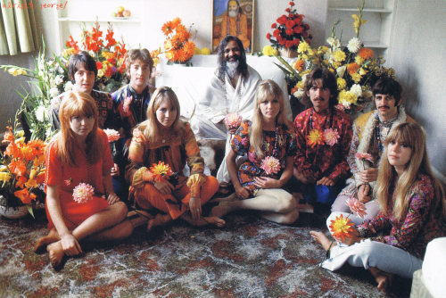 ★SCAN 〜 Beatles, ladies, and the Maharishi