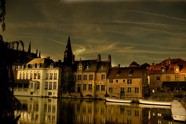 Dreamy landscape in Bruges (by Ken Pintelon)
