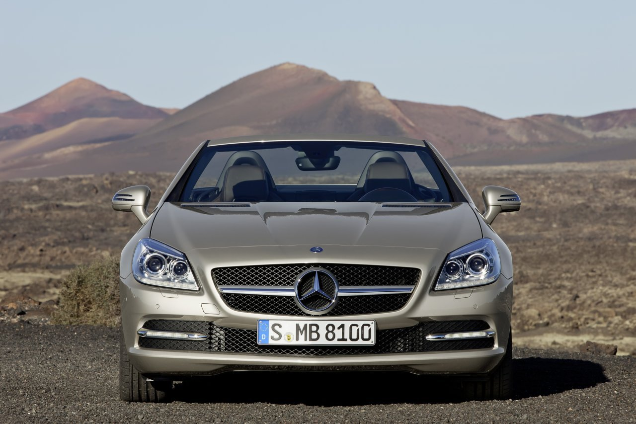 Official: 2011 Mercedes Benz SLK (vía Autoblog.nl)