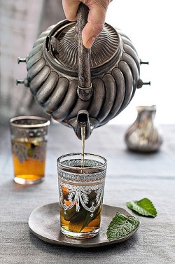 ibleedcake:  Moroccan mint tea - click through for recipe