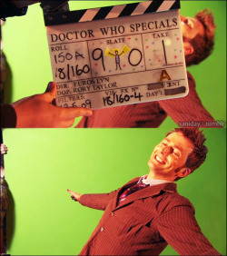 saniday:  For David's final scenes in Doctor Who, one of the crew members, supposedly one of the cameraman made this sketch of David regenerating. [Buncha Doctor Who Stuff]