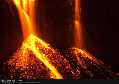 inlovewithgeosciences:  Lava falls