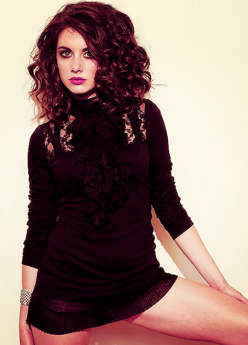 I covet her huge hair in this picture.