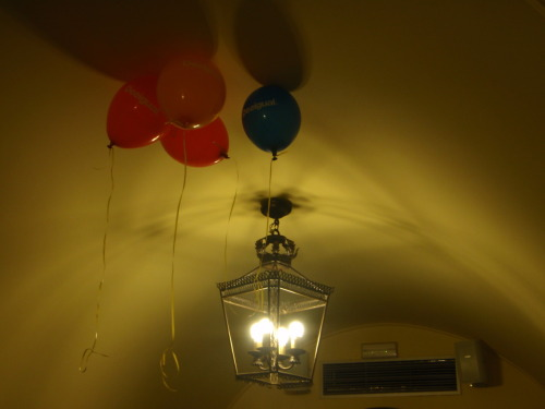 Ballons and lamp.