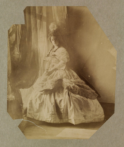 Cinderella  Lady Hawarden 1863-64 V&A