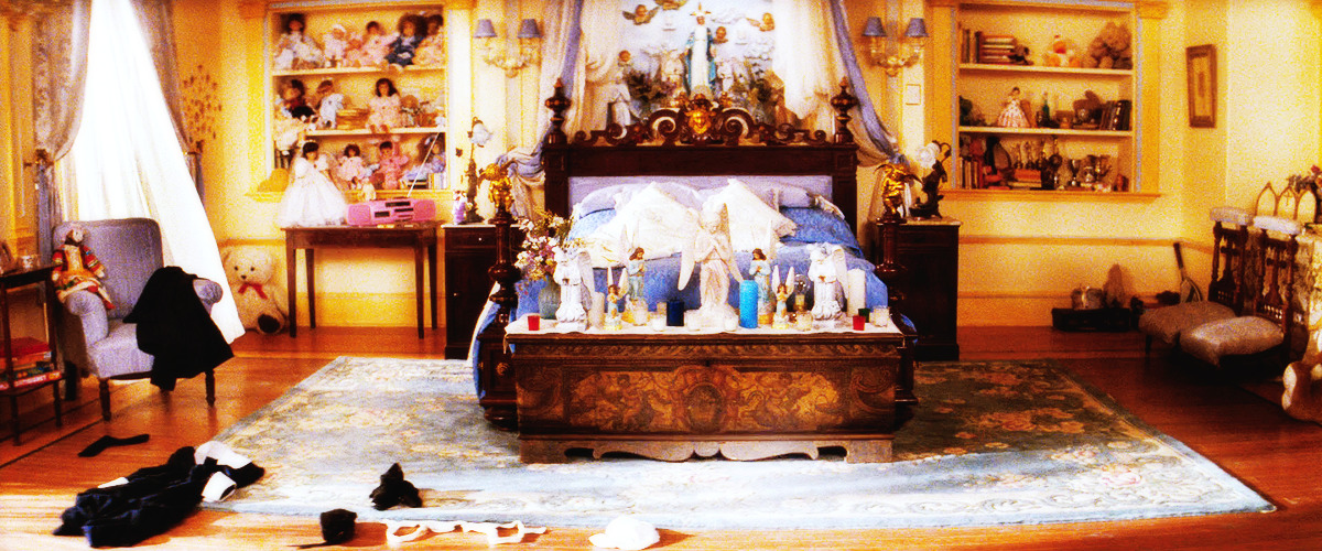 Juliet's bedroom in Baz Lurmann's Romeo + Juliet